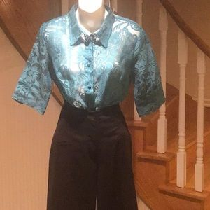 Blouse collared short sleeve sheer button down